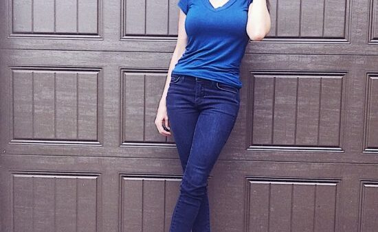 Cute T-Shirt and Jeans Outfit