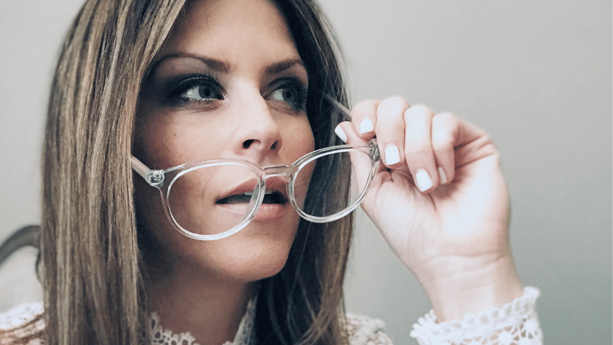 How To Buy Prescription Glasses Online – My Hilary Duff Glasses from GlassesUSA.com