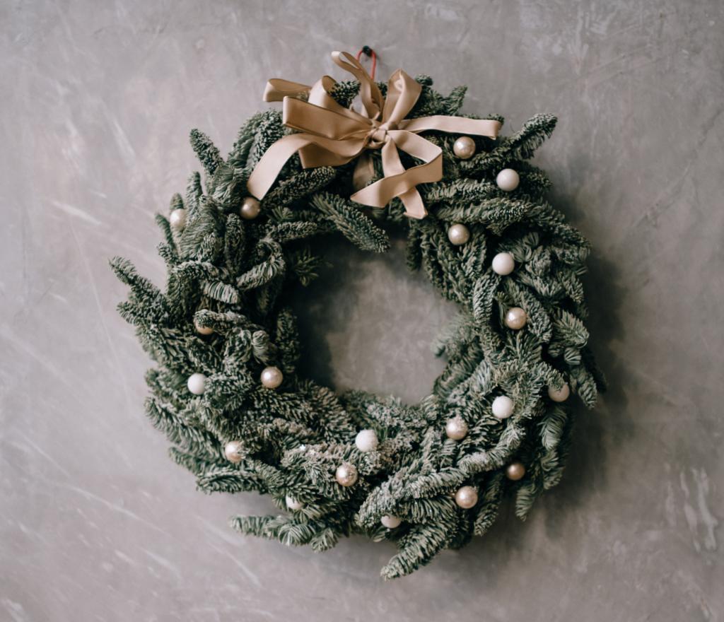 traditional greenery wreath