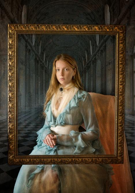 LUXYMOM® - Blue Dress_Fashion Editorial