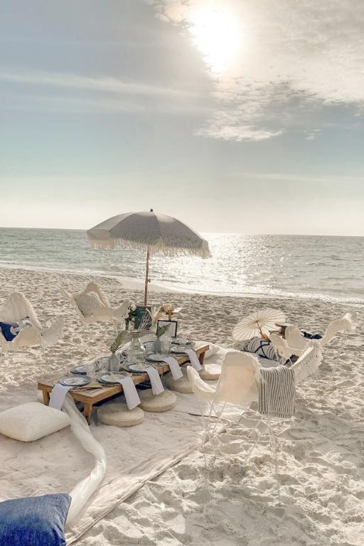 Coast and Mingle - Luxury Picnic Experience