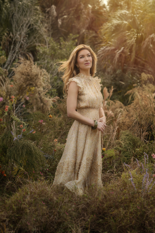 Jennifer Sassi Pavich x LUXYMOM® - woman in field of wildflowers and grasses