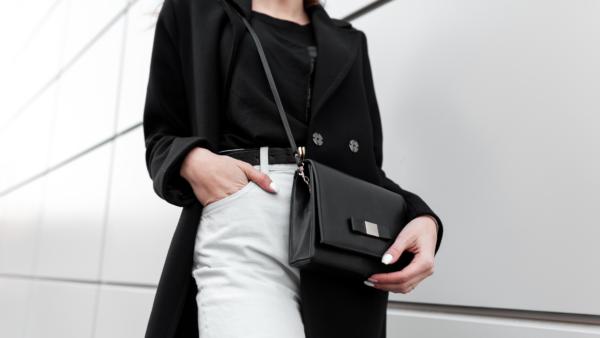 news anchor handbag essentials - featured image