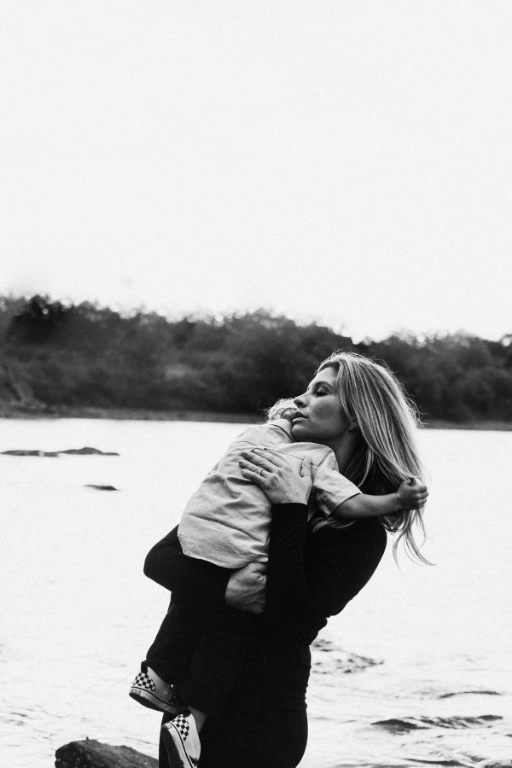 how to balance mom life and be happy