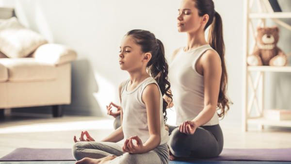 mommy and me yoga - featured image