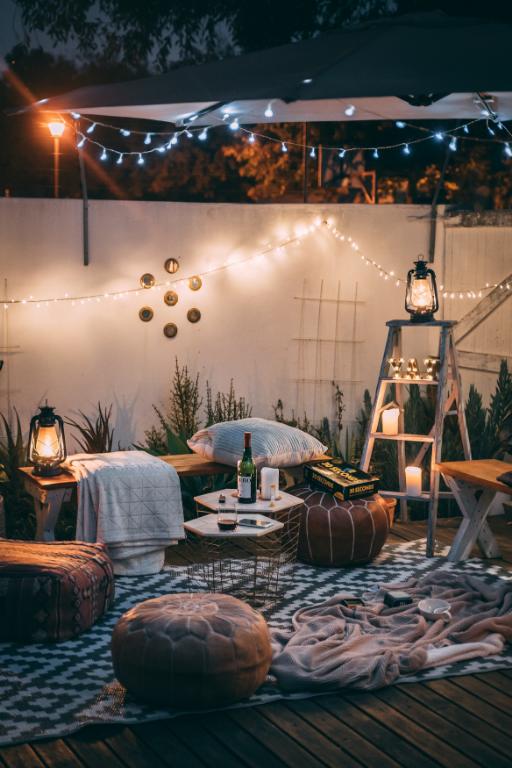 spring decor trends - outdoor living